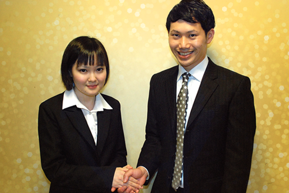 さんきゅう倉田さんと喜びの握手!